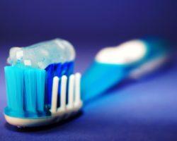 Wie lässt sich Zahnstein am besten entfernen?
